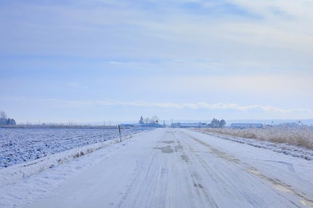凍った路面